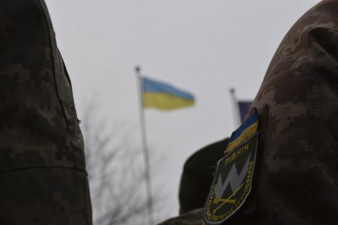 Оккупанты 12 раз нарушили режим тишины и ранили двоих военных