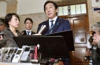 Японский министр ушел в отставку из-за дынь и пчелиного молочка