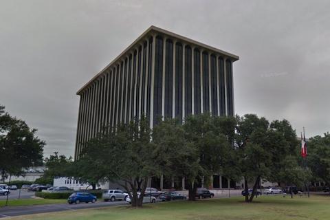 Коломойському дозволили продати офісний центр в Техасі