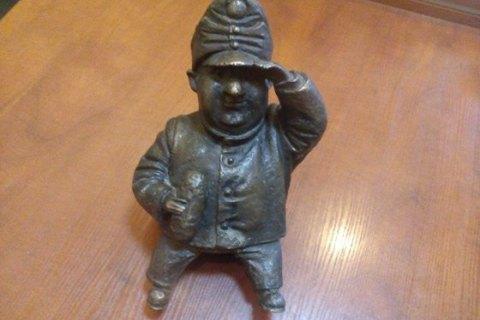 Одесситка украла бронзовый мини-памятник солдату Швейку с Дерибасовской