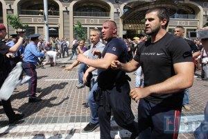 Оппозиционер записал молодчиков, напавших на журналистов, в преступники