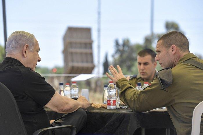 Прем'єр-міністр Беньямін Нетаньягу на базі «Залізного куполу».