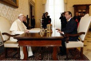 У Ватикані за кілька годин до візиту Олланда стався вибух