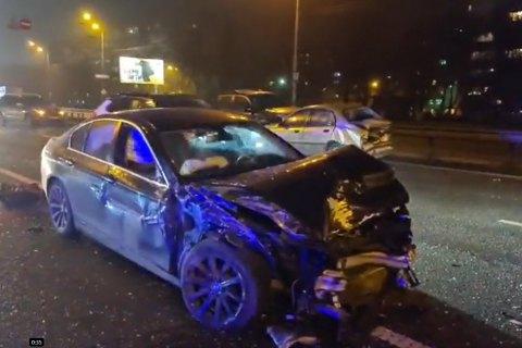 В Киеве на Окружной дороге столкнулись сразу 7 автомобилей