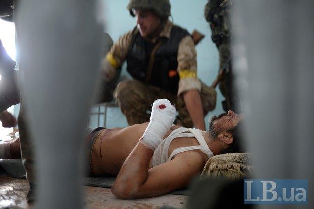 Раненый боец Донбасса