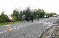 В Ровенской области авто сбило насмерть женщину, которая шла по обочине с двумя детьми