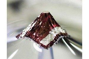 Ученые создали сверхтонкие солнечные батареи