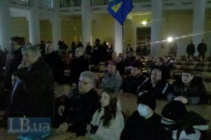 Попов пришел к активистам в Киевраду