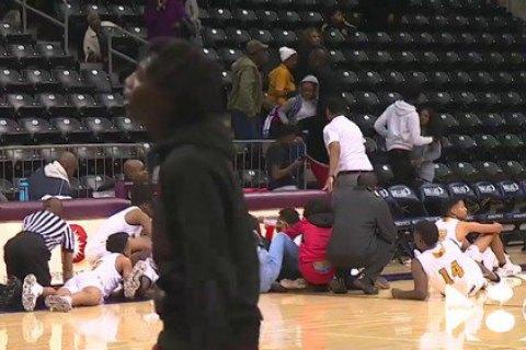 Во время баскетбольного матча в США болельщик открыл стрельбу