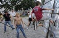 Жители Дарницы воюют за стадион