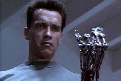 Шварценеггер подал в суд на российскую компанию, которая создала робота с его лицом