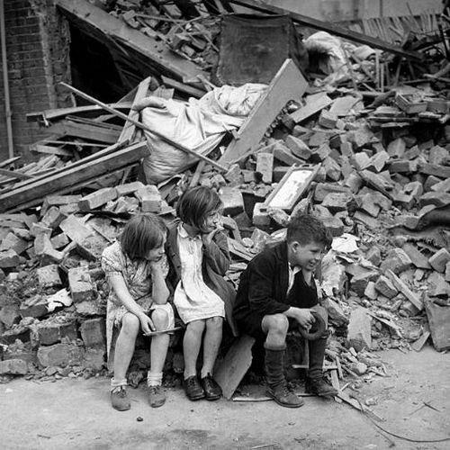 Ист-Энд после бомбежки. 1940.