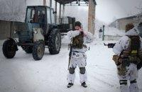 Бойовики сім разів відкривали вогонь на Донбасі, двох військових поранено