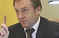 Лавринович назвал дешевым самопиаром заявление Литвина о самороспуске Рады