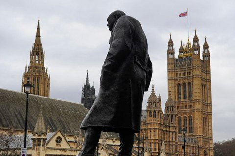 Деякі великі компанії зібралися переїжджати з Великобританії у країни Європи