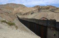 США перенаправлять частину коштів з програми зі стримування Росії на будівництво стіни з Мексикою
