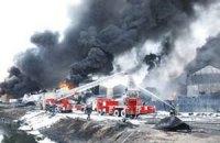 На нафтобазі під Васильковом досі горять три цистерни