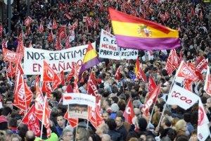 В Испании число безработных выросло на 128 тысяч человек за месяц