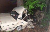 В Киевской области три человека погибли в результате столкновения ВАЗа с деревом