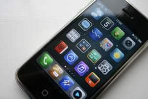 Перші покупці iPhone 5 скаржаться на проблеми з дисплеєм