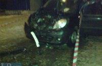 В Киеве неадекватный водитель после ДТП порезал ножом молодую женщину