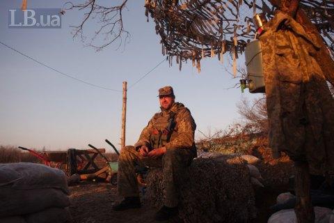 Бойовики п'ять разів обстріляли позиції ЗСУ на Донбасі в четвер