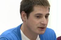Герой статьи о пытках геев в Чечне впервые открыто выступил в России