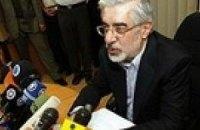 Соперник Ахмадинеджада требует проведения нового голосования
