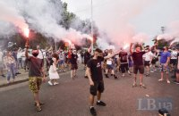 Активісти перекрили дорогу під судом, де обирають запобіжний захід Стерненку