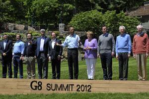 """""""Большая восьмерка"""" оставляет Грецию в еврозоне"""