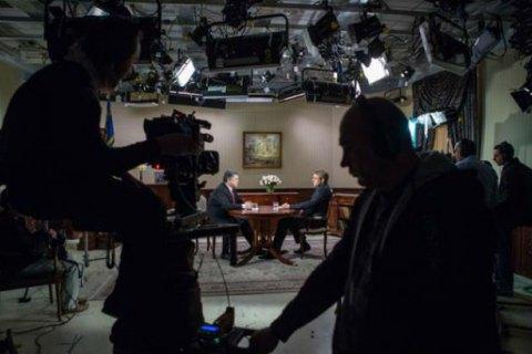 Порошенко дав інтерв'ю трьом українським телеканалам