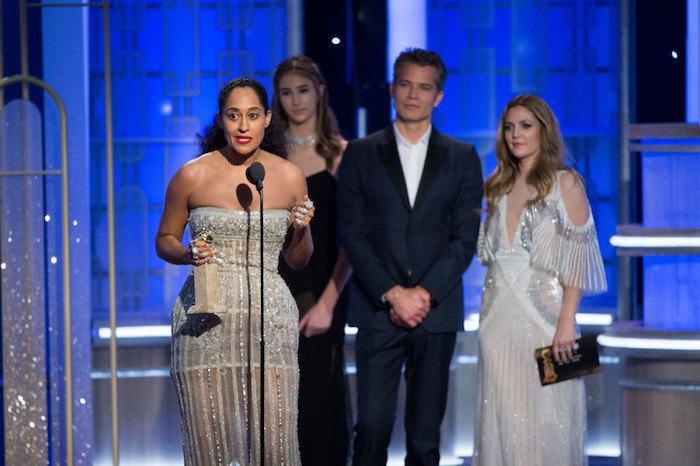 Актриса Трейси Эллис Росс получает награду за лучшую женскую роль в комедийном сериале (Black-ish)