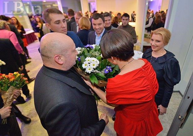 Александр Турчинов (слева) с супругой Анной (справа) и Андрей Иванчук ( в центре)