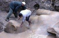 В трущобах Каира нашли древнюю статую Рамсеса II