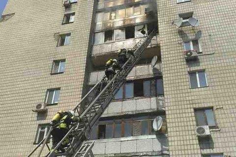 Чоловік убив двох жінок, підпалив квартиру і викинувся з вікна в Києві (оновлено)