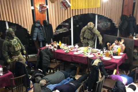 В Мариуполе на праздновании дня рождения задержан криминальный авторитет из Грузии