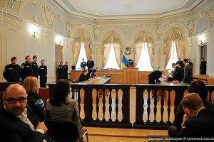 Адвокат Тимошенко провел журналистов в суд