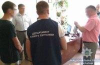 Руководитель шепетовского колледжа попался на взятке
