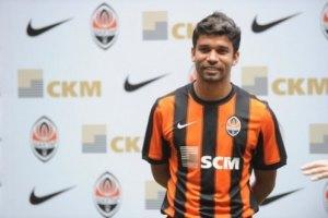 У футболиста Ахметова отобрали дом, машину и деньги