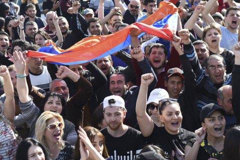 ВАрмении возобновились акции протеста: Народ требует ухода правящей РПА