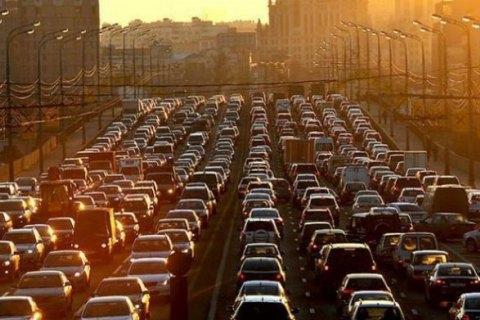 Кабмин попросил Порошенко подписать закон про снижение акцизов на авто