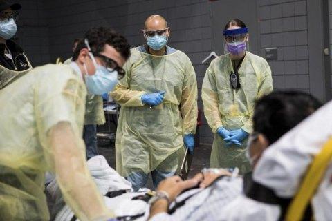 В США зафиксировано более 40 тыс. новых случаев коронавируса за сутки