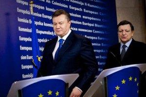 Янукович заверил Баррозу, что не намерен вводить ЧП