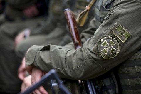 ВКиеве военнослужащий Нацгвардии понеосторожности выстрелил себе вживот
