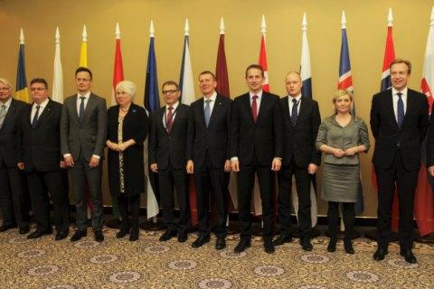 Голови МЗС 12 країн Європи закликали ввести безвізовий режим з Україною і Грузією