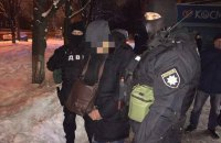 Київського поліцейського спіймали на хабарі $3500