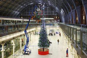 В столице Великобритании установили елку из Lego