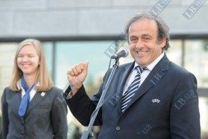 Платини: в финал Евро-2012 выйдут Германия и Испания