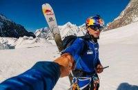 Польский спортсмен первым в мире спустился на лыжах с самой опасной вершины планеты