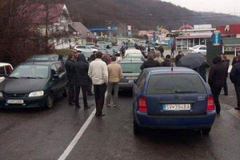 """""""Євробляхери"""" перекрили п'ять пунктів пропуску на кордоні з Польщею"""